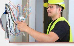 Electricien de l'entreprise DESA à Paris